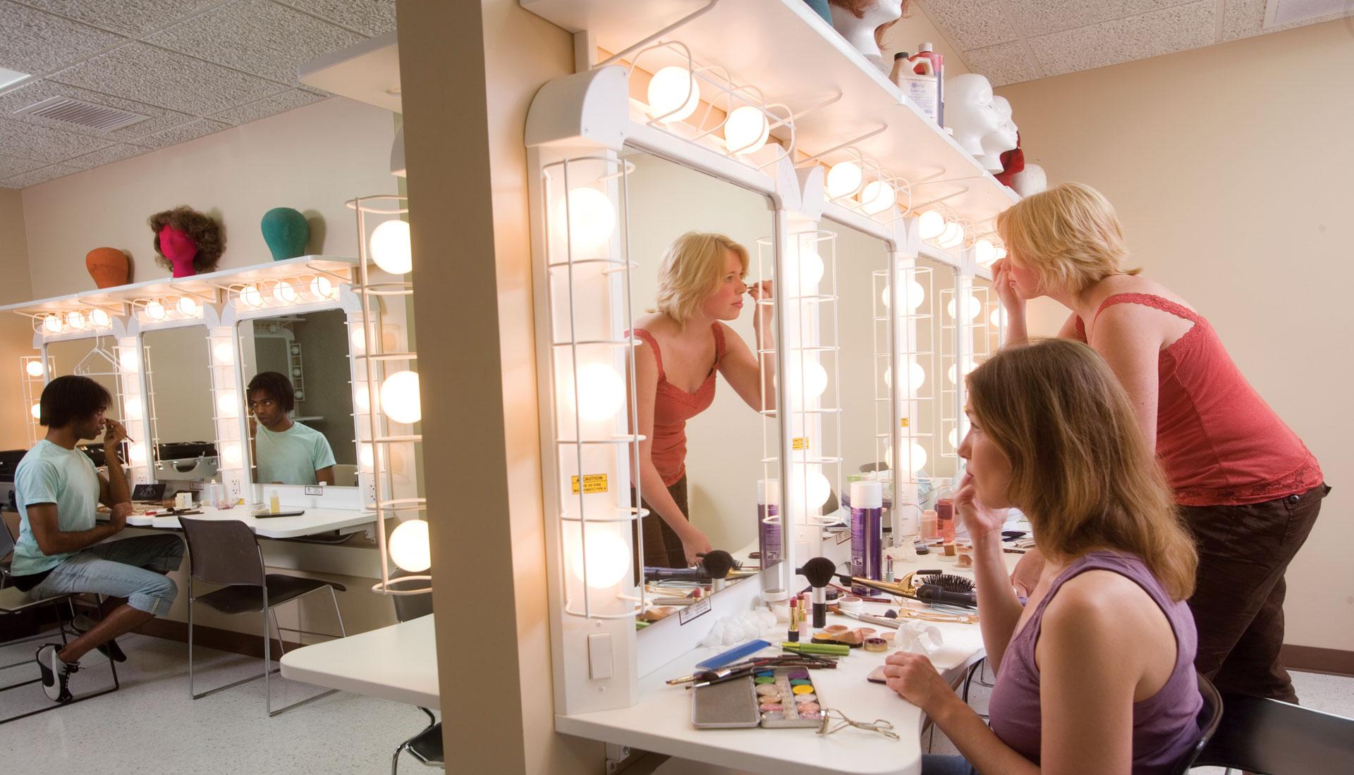 Studio 174 Makeup Station Wenger Corporation